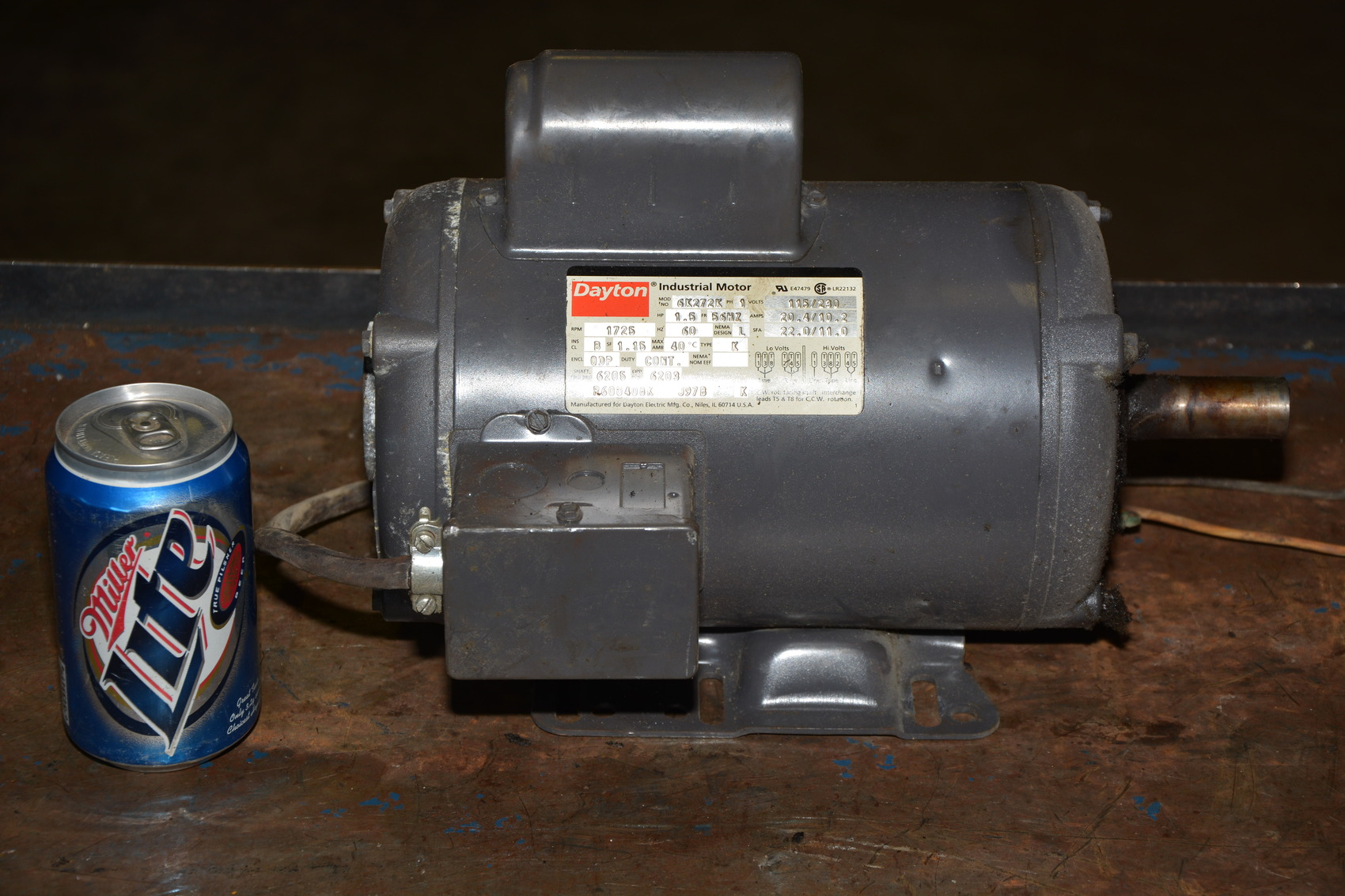 Dayton 1 5 hp 1 60 115 230v single phase ac motor 1 725 rpm for Single phase motors for sale