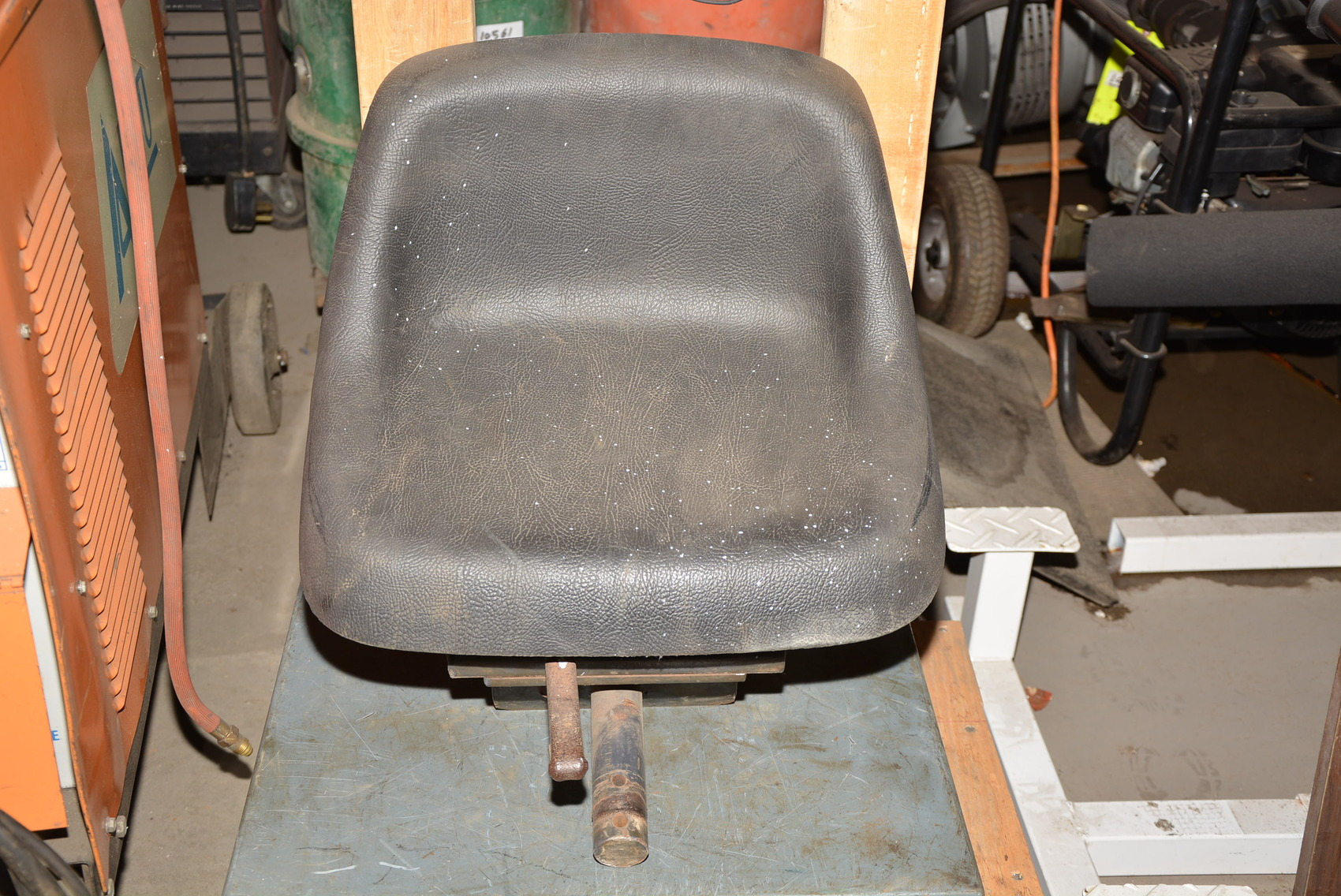 Backhoe Seat Replacement : Replacement seat for bobcat backhoe attachment
