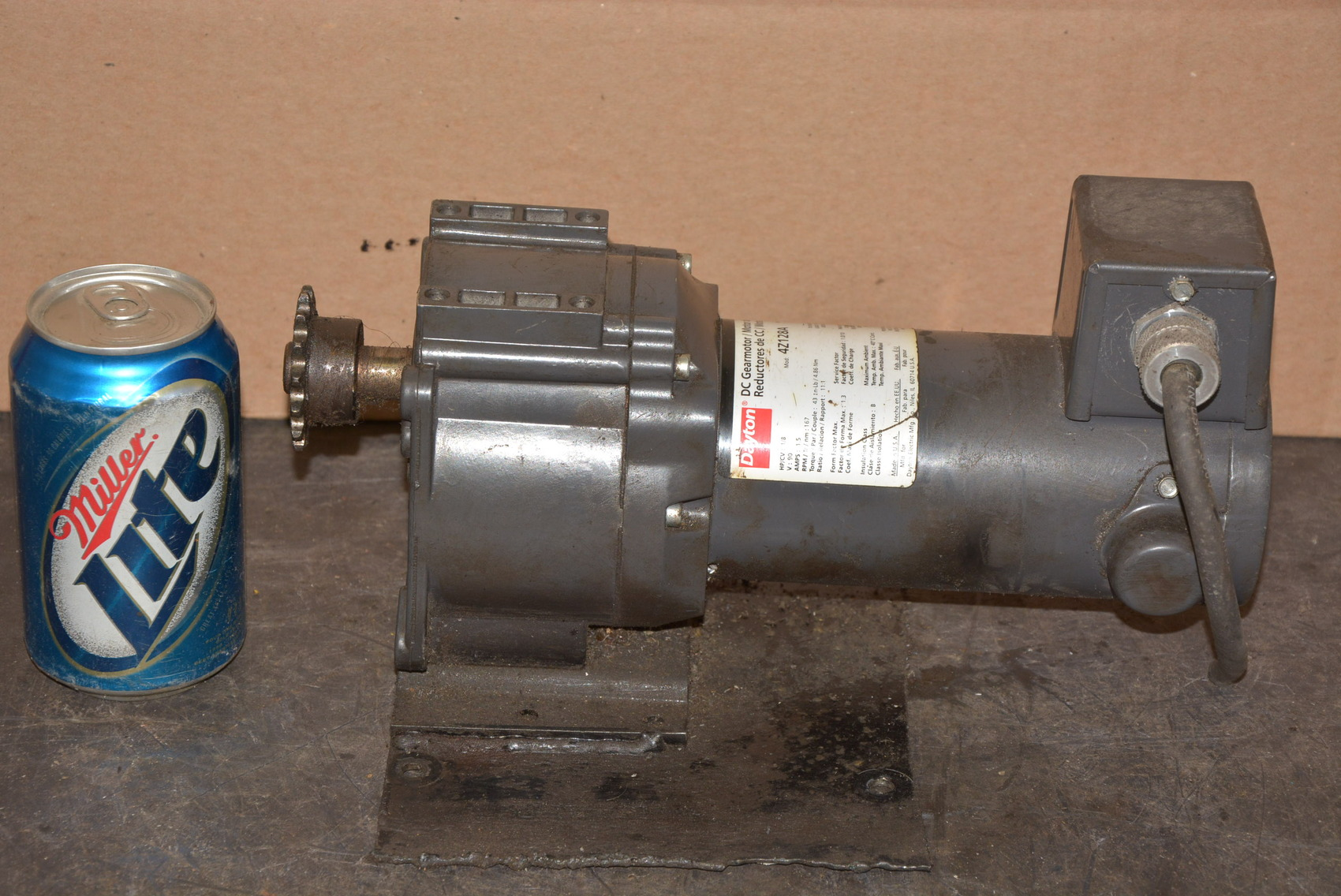 Dayton 4z128a Dc Gear Motor 1 8 Hp 11 1 Ratio 167 Rpm