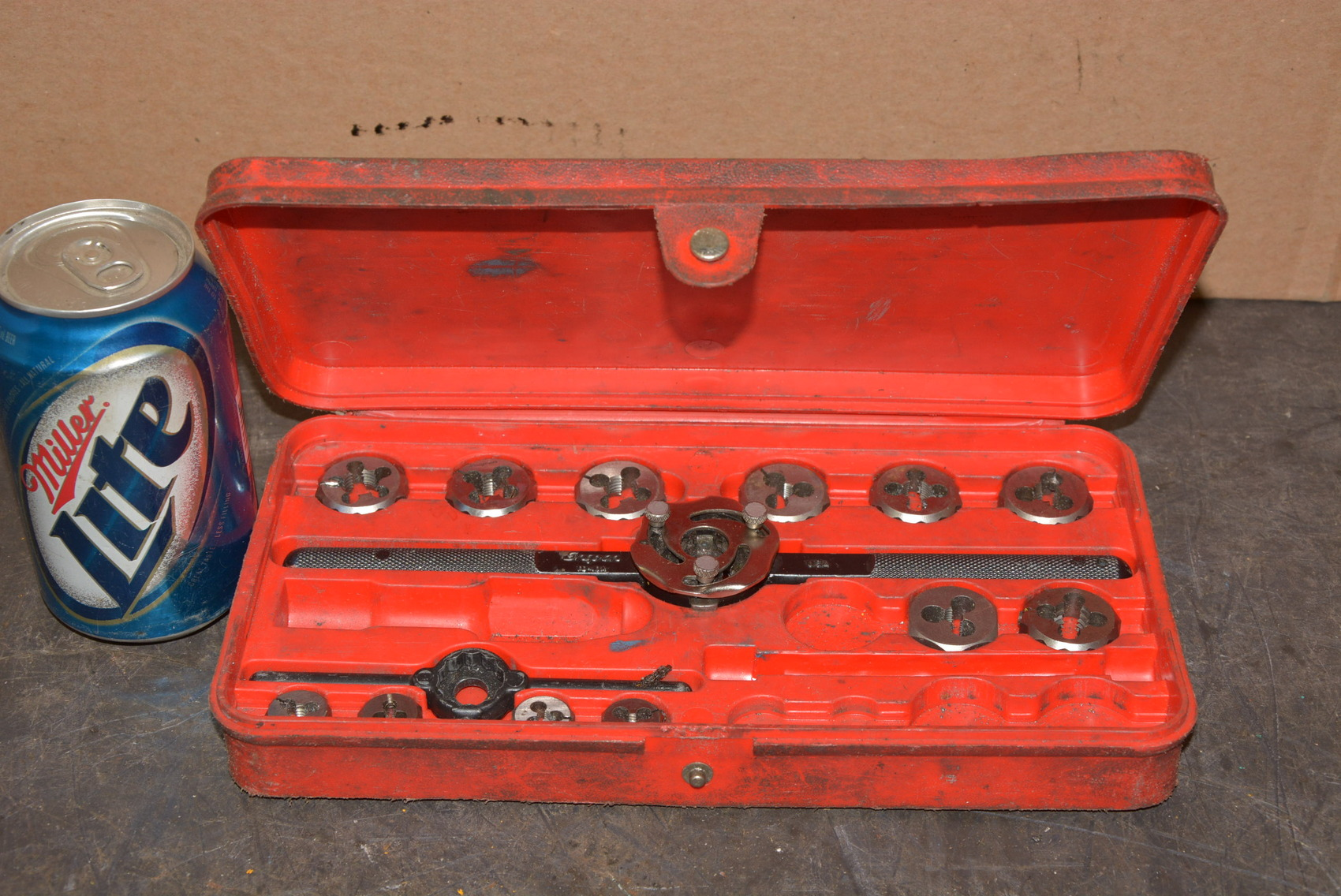 Snap on tools tap and die set no to quot handles case
