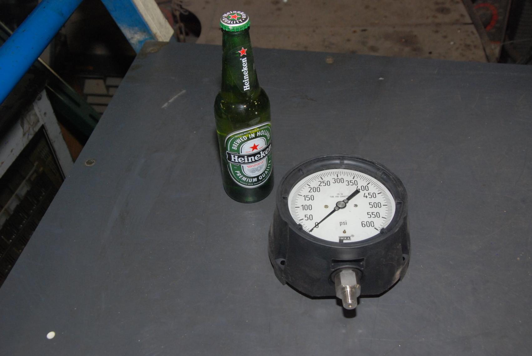 "Precision 600 PSI Wika Pressure Gauge 316 ss 6""diameter of the back"