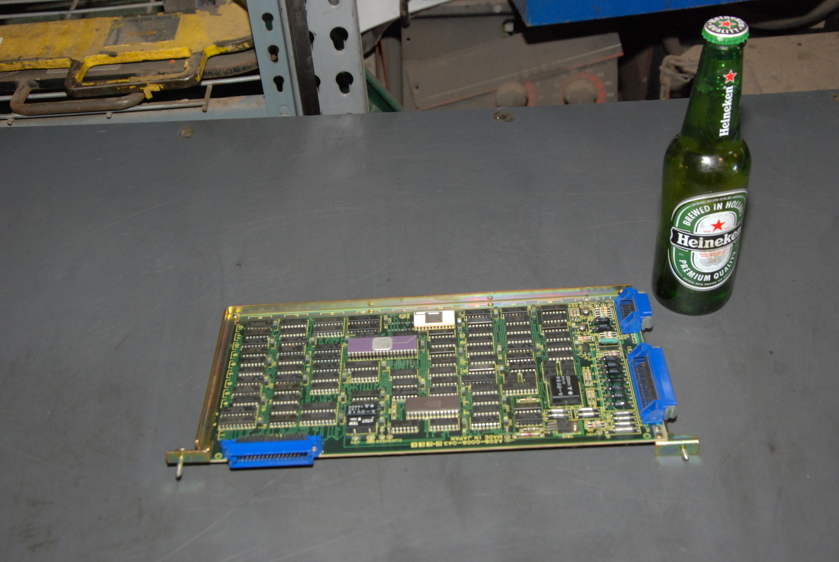 Fanuc A20B-0008-0430 A CRTC/Puncher Circuit Board