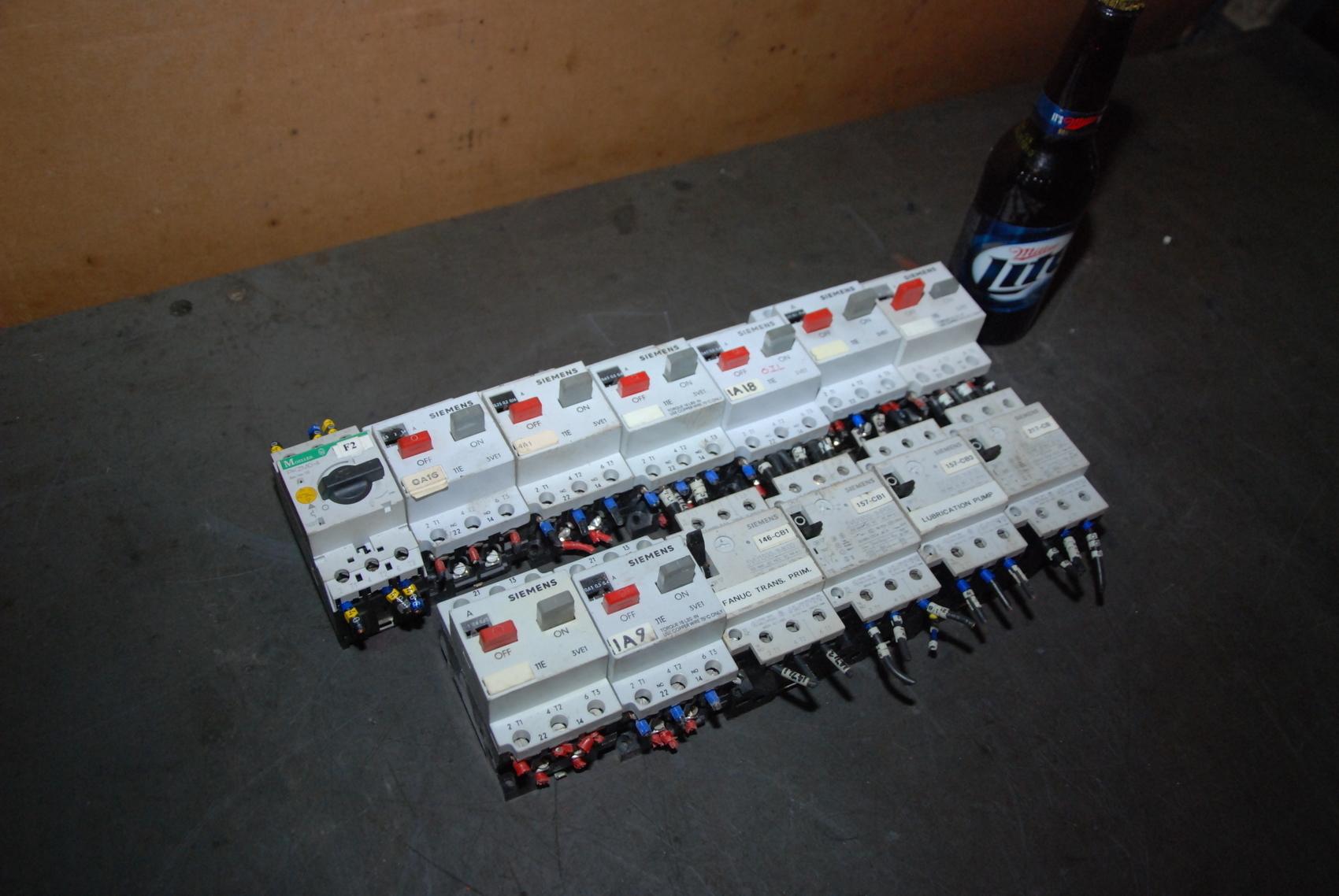 Lot of 13 Industrial Manual Starters;Siemens;Moeller