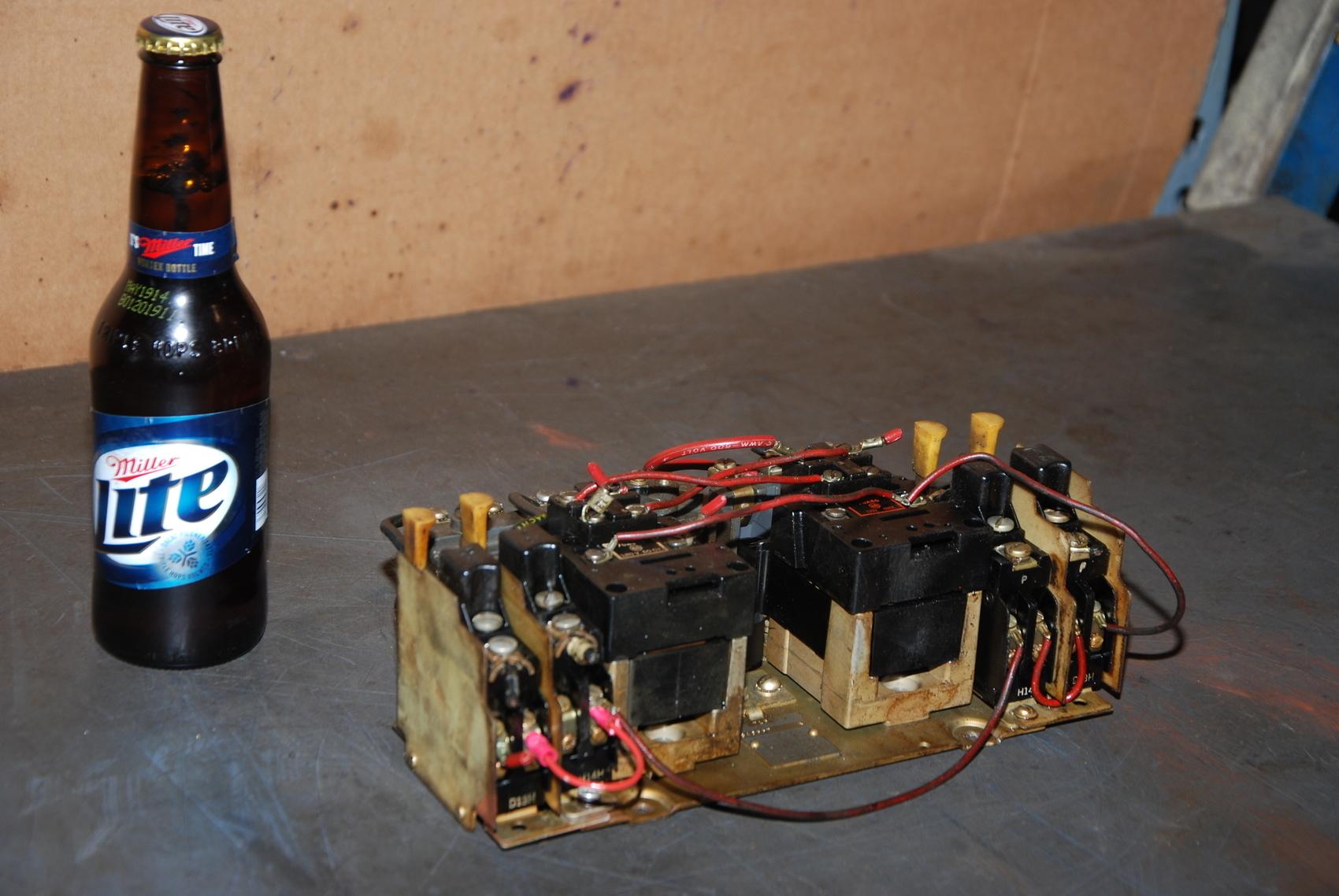 Allen Bradley 840557 Ser.N Reversing Starter;Size 0;Coil120V;up to 2HP