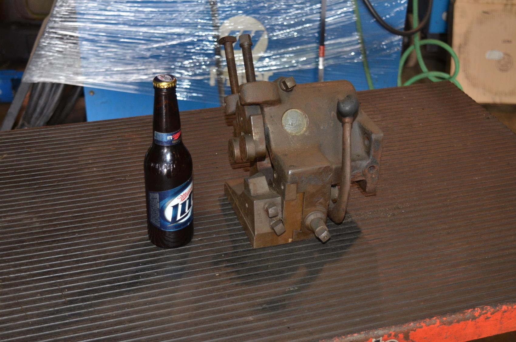 Gisholt 1400A Turret Lathe Roller Back Box Tool Bar Turner