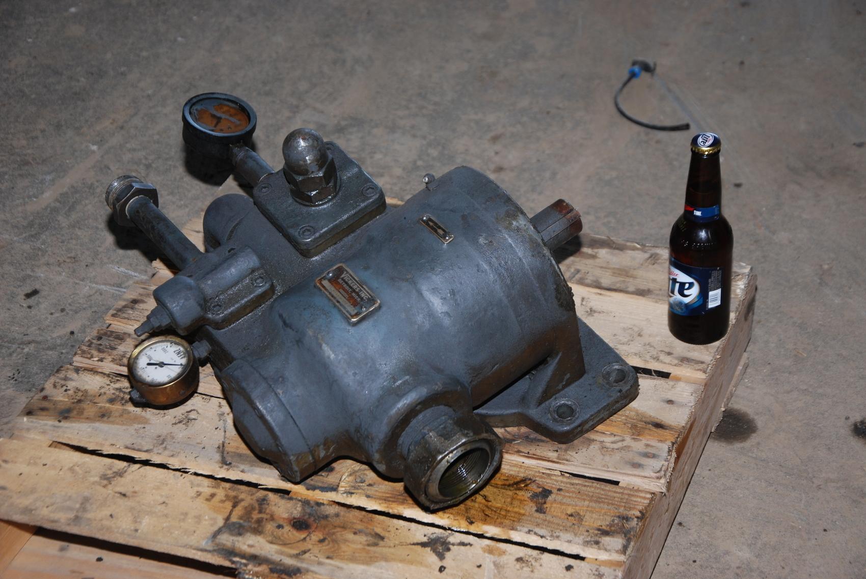 Vickers VC-138-Y-3DB-2 Hydraulic Pump