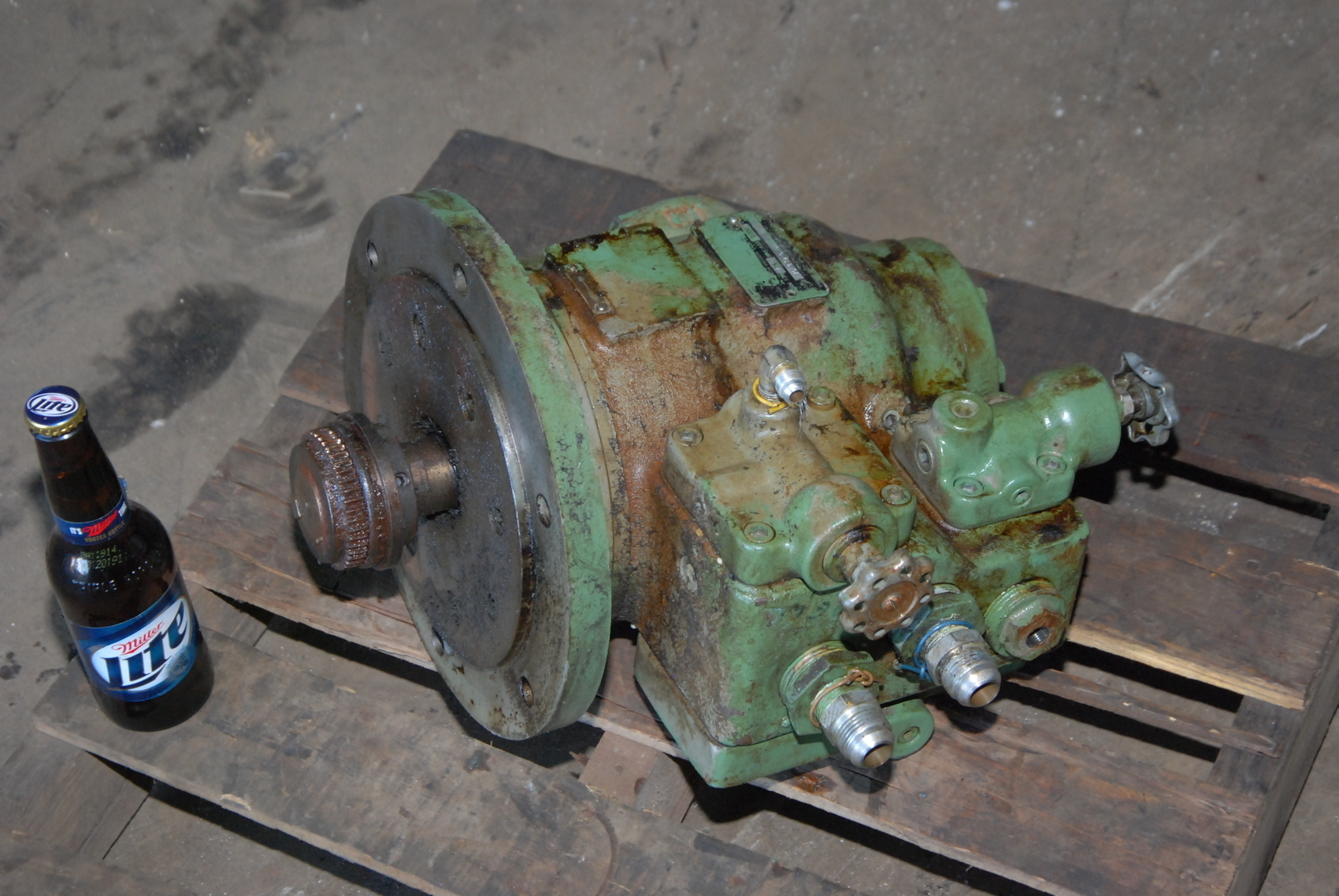 Vickers VC-139-6DD-5-LH Combination Hydraulic pump and Valves;1000PSI