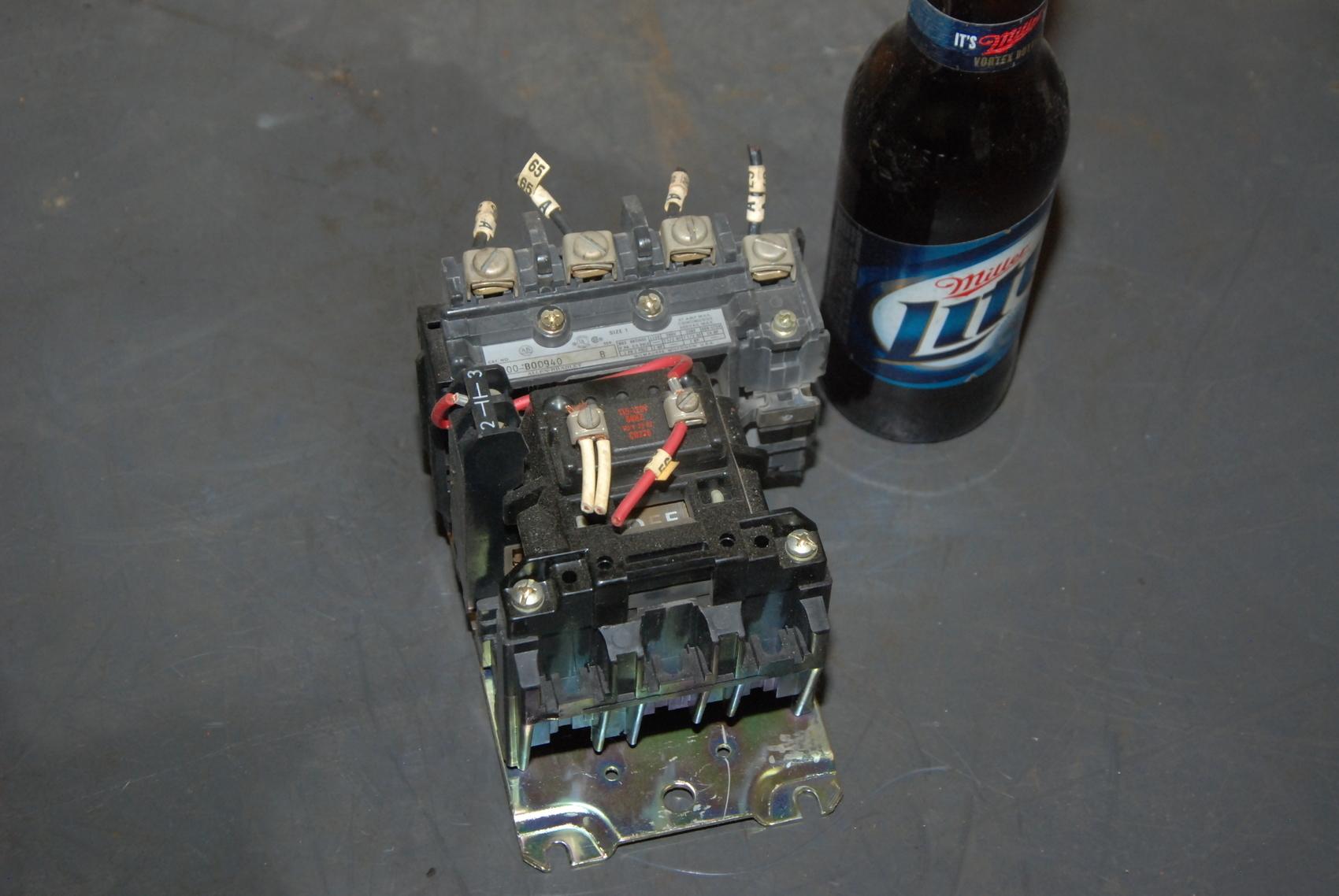 Allen Bradley Size 1 Starter;mod:500-B0D940 ser.B;115/120VAC coil