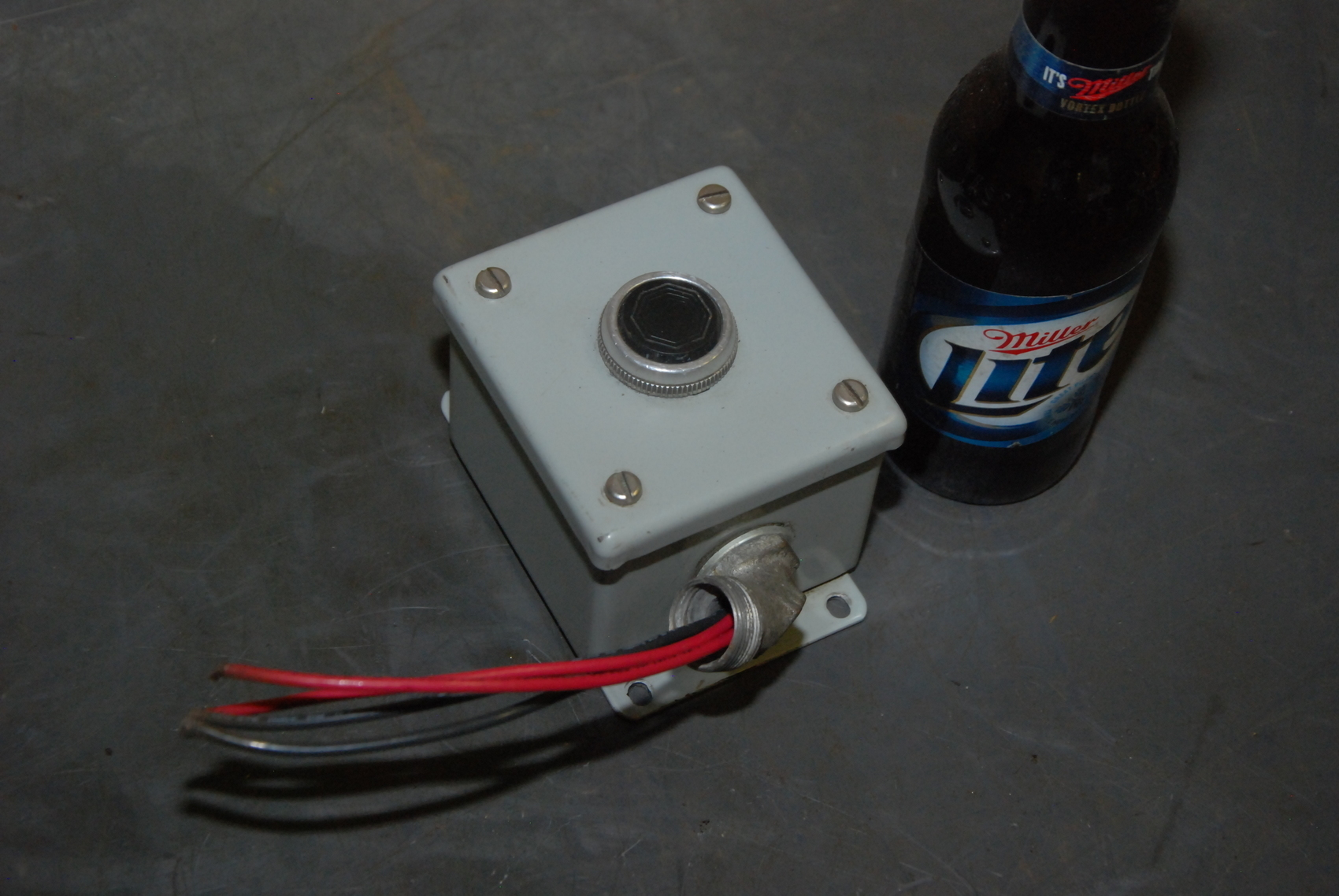 Allen Bradley 800T-A2B Push button in Hoffman enclosure