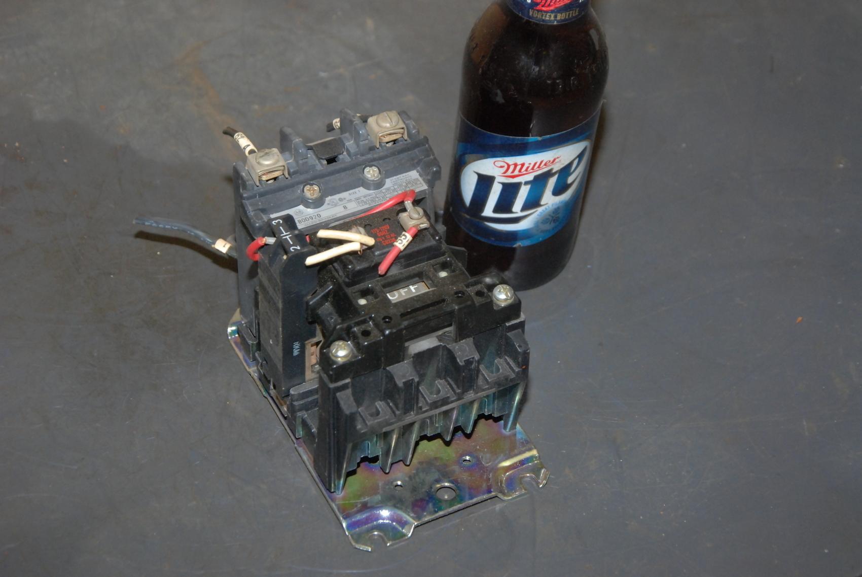 Allen Bradley Size 1 Starter;mod:500-B0D920 ser.B;115/120VAC coil