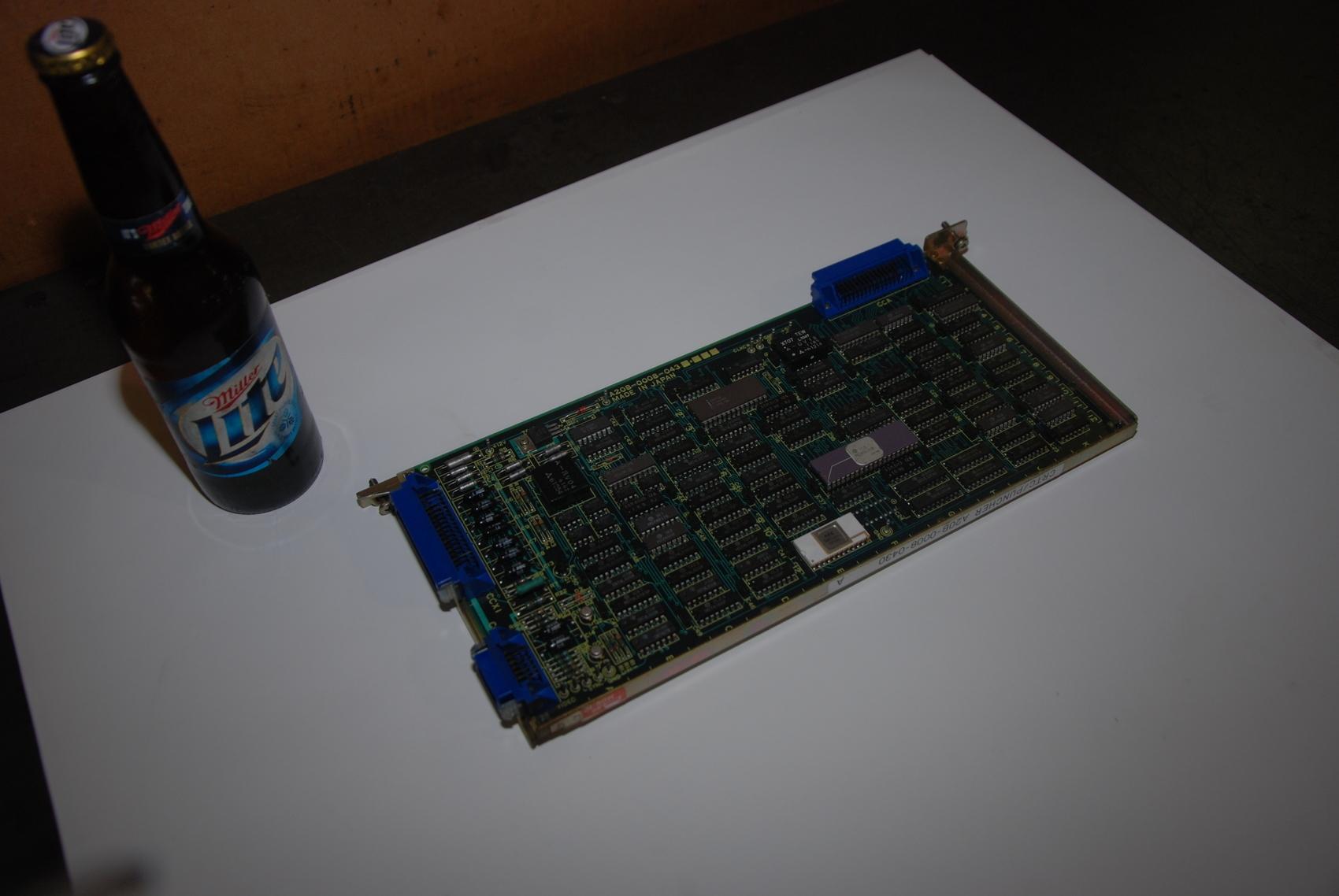 Fanuc A20B-0008-0430 A CRTC/Puncher Board