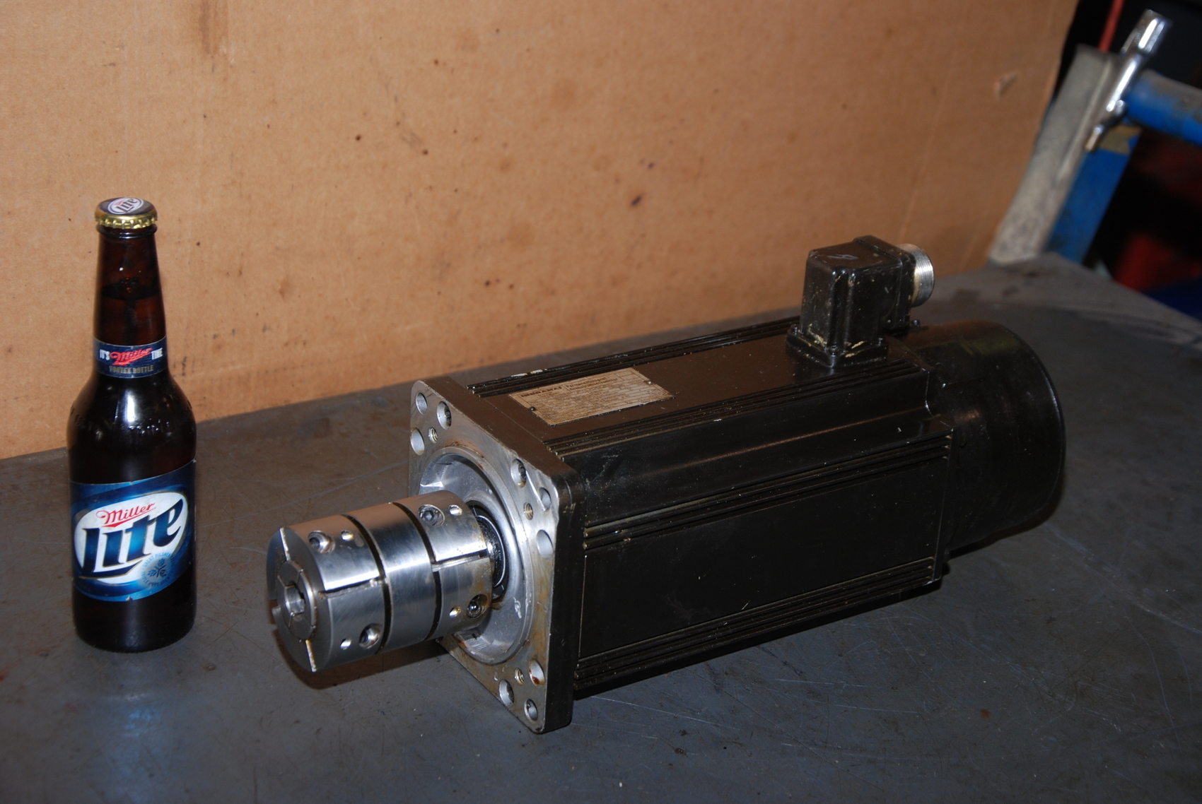 Indramat 090B-0-ND-3-C/110-B-1/S005 3Phase Servo Motor