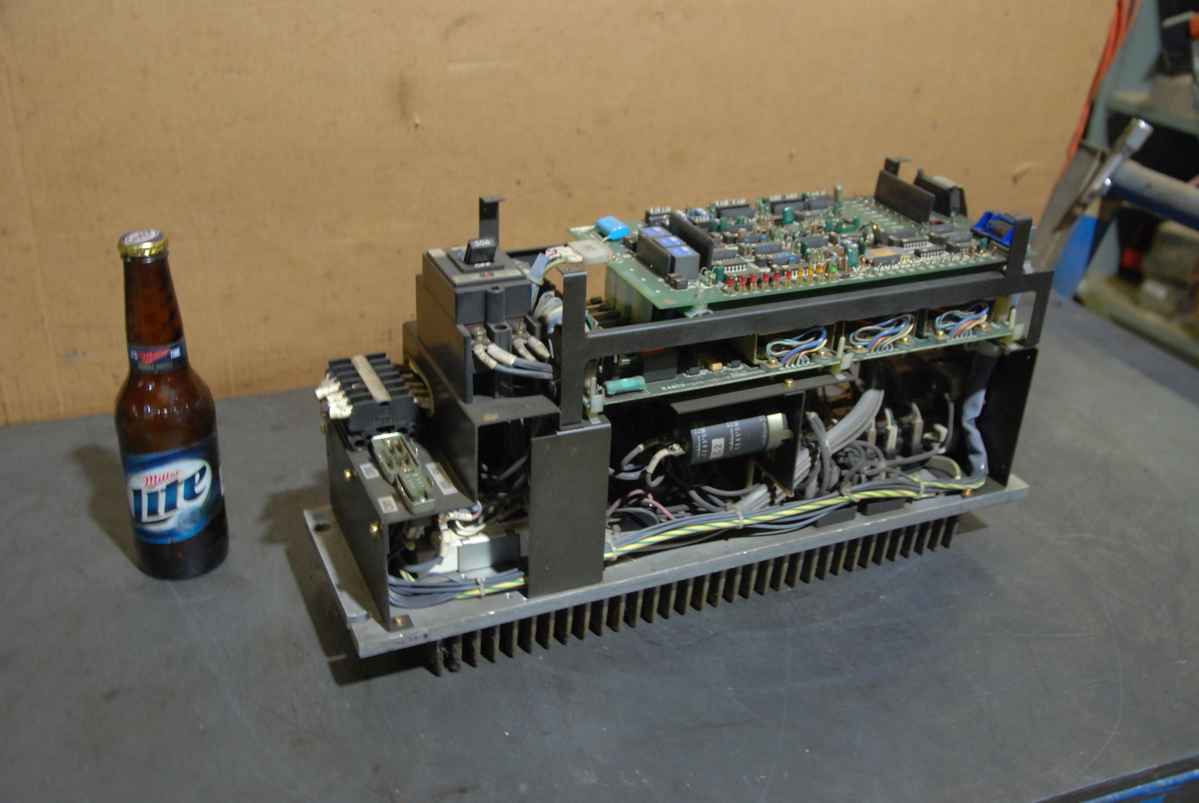 Okuma Brushles Servo Drive E4809-045-061-D SVC Board Forbdu E409-770-0