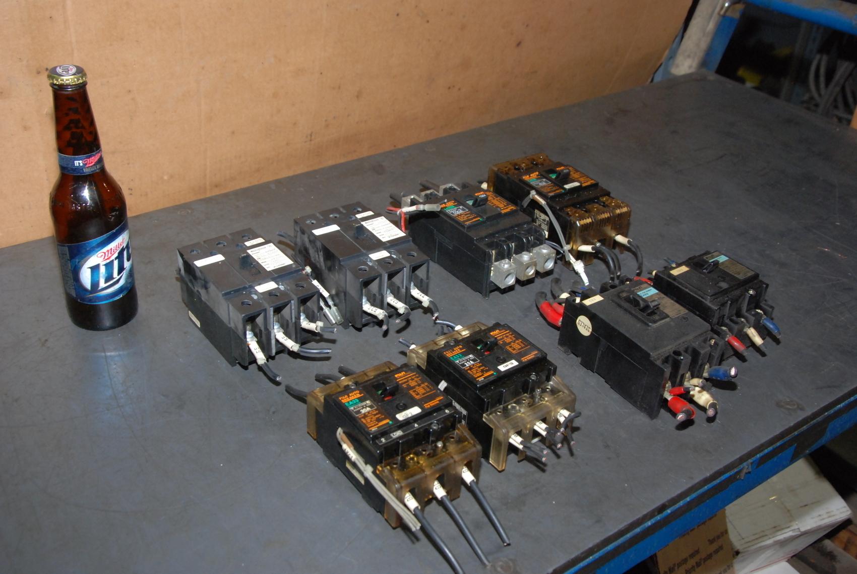 Lot of 6 Fuji plus 2 Westinghouse Circuit Breaker ea63 ea33 1288C75G02