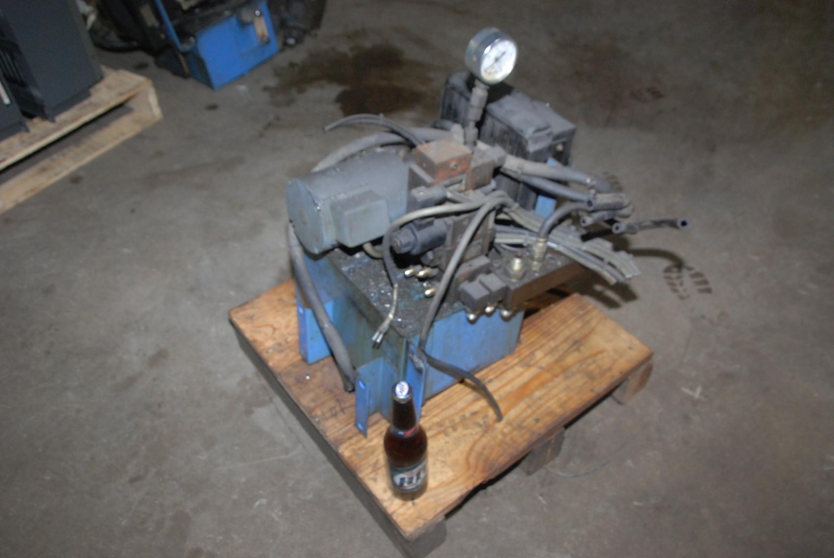 Nachi oil cooler pump from Mazak CNC maybe VQC 15 20 40