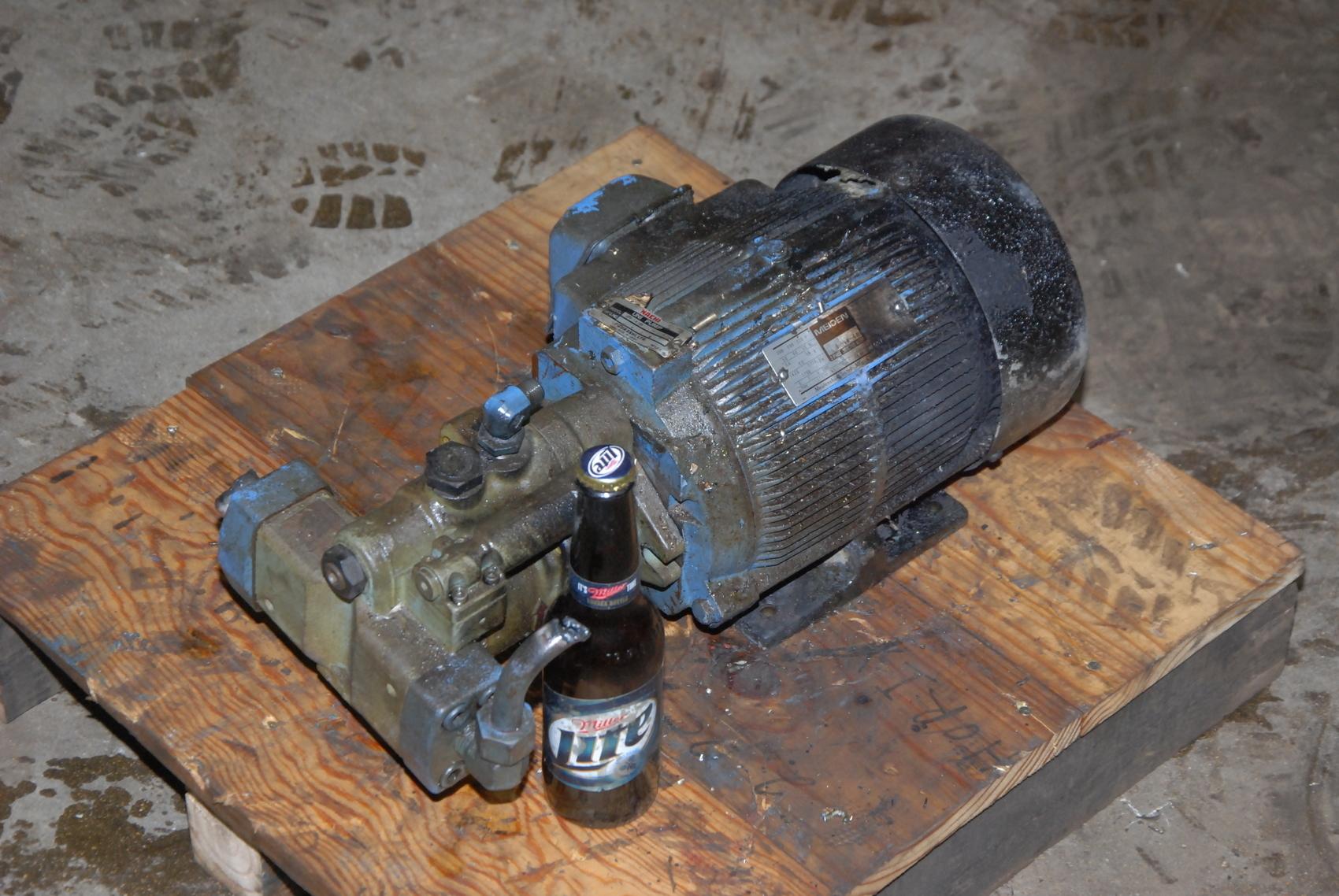 Nachi Uni Pump UPV-1a-16N1-2 with motor