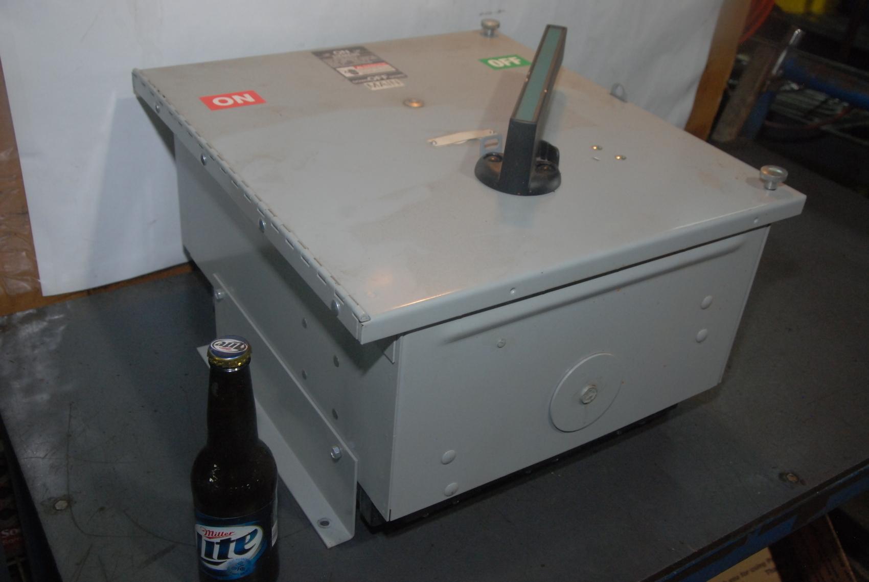 Siemens Vacu-Break fusible panelboard Switch Cat No vms365b