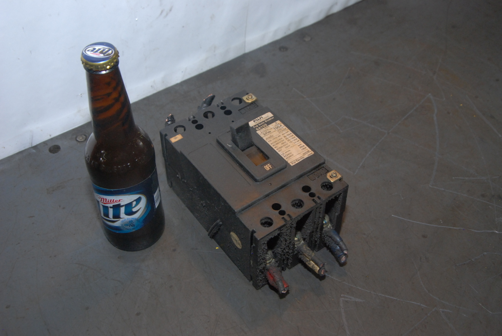 FUJI SA103 CIRCUIT BREAKER 3 POLE 100A