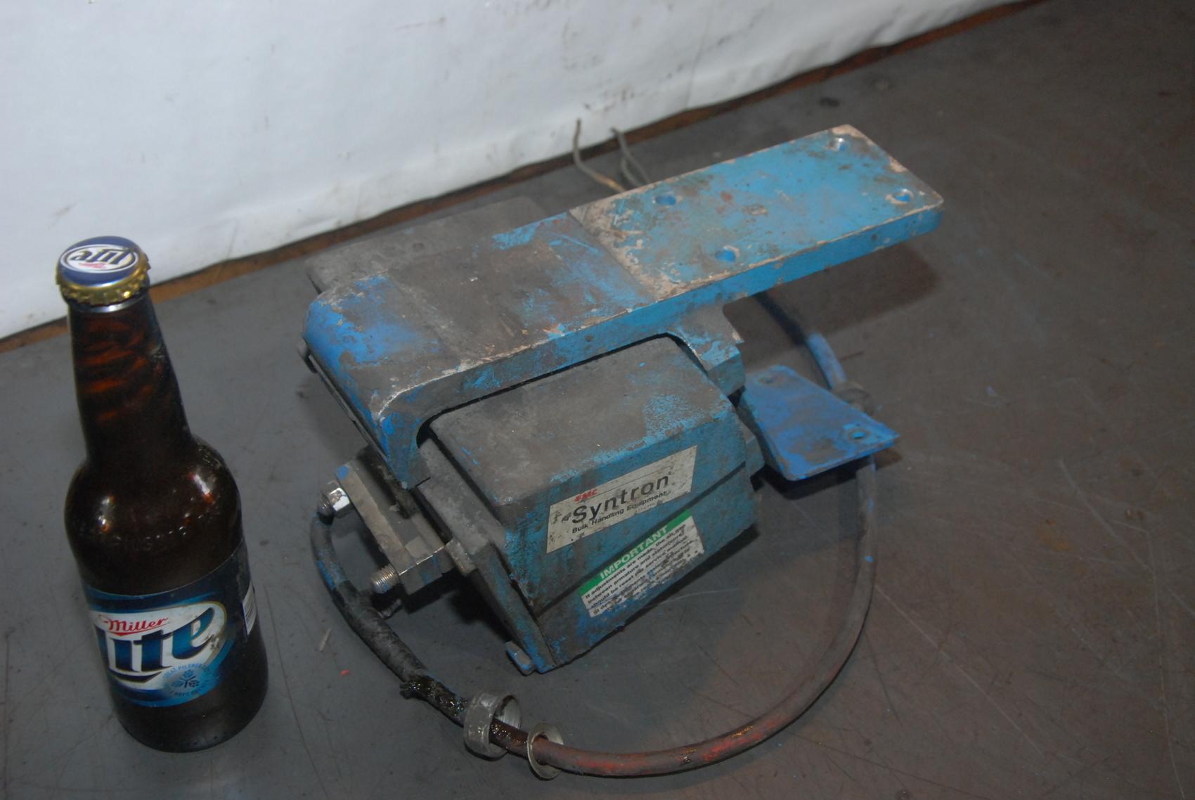 Syntron vibrator magnetic feeder model BF-01C