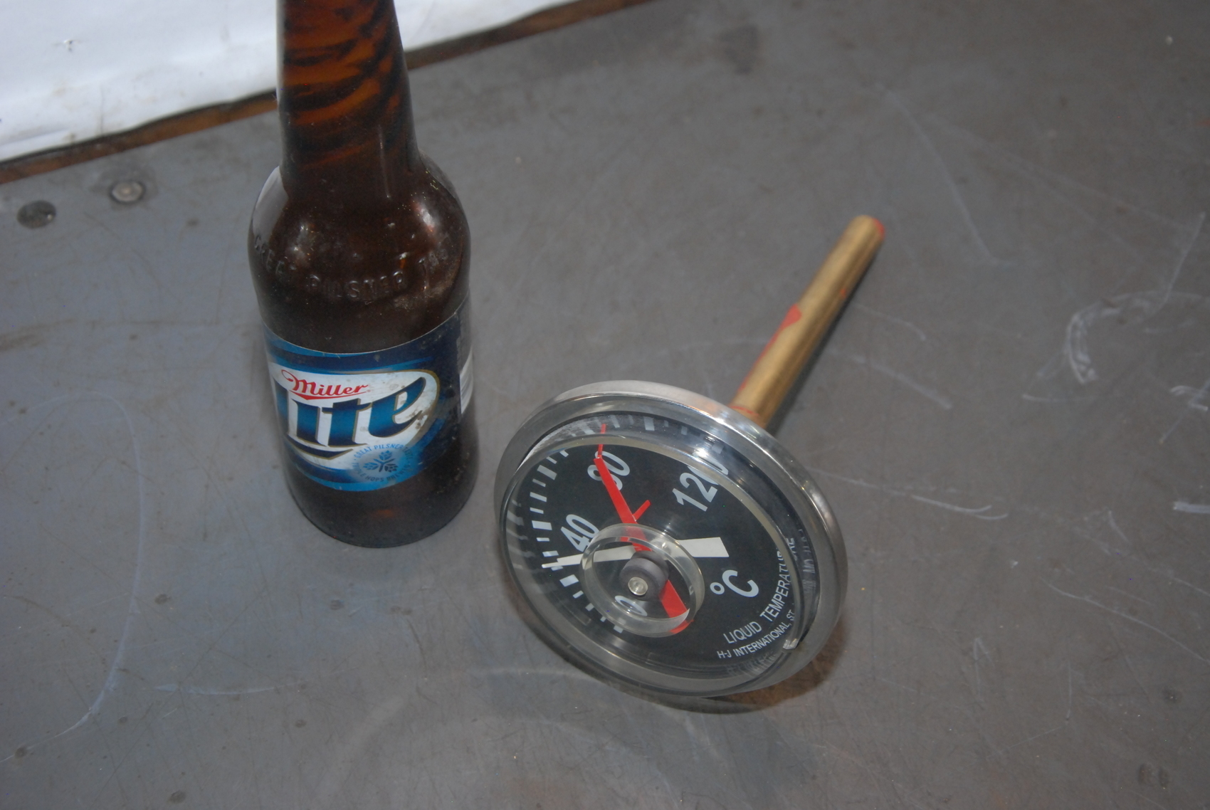 H-J Through Tank Fitting Thermometer with MAX temperature gauge