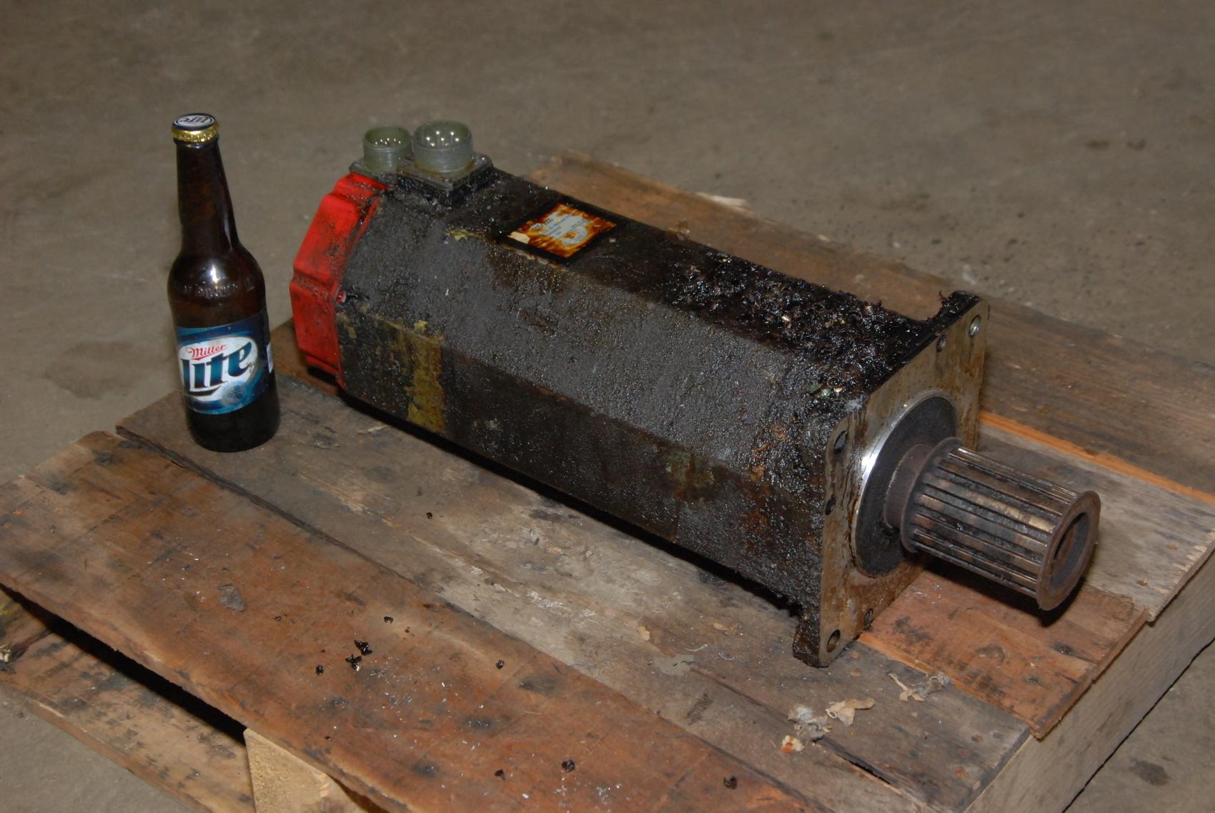 Fanuc red cap ac servo motor a06b-0319-b004