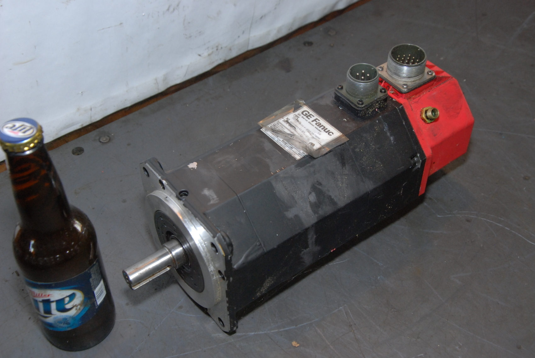 GE FANUc RED CAP AC SERVO MOTOR TYPE 5S A06B-0314-B563#7008