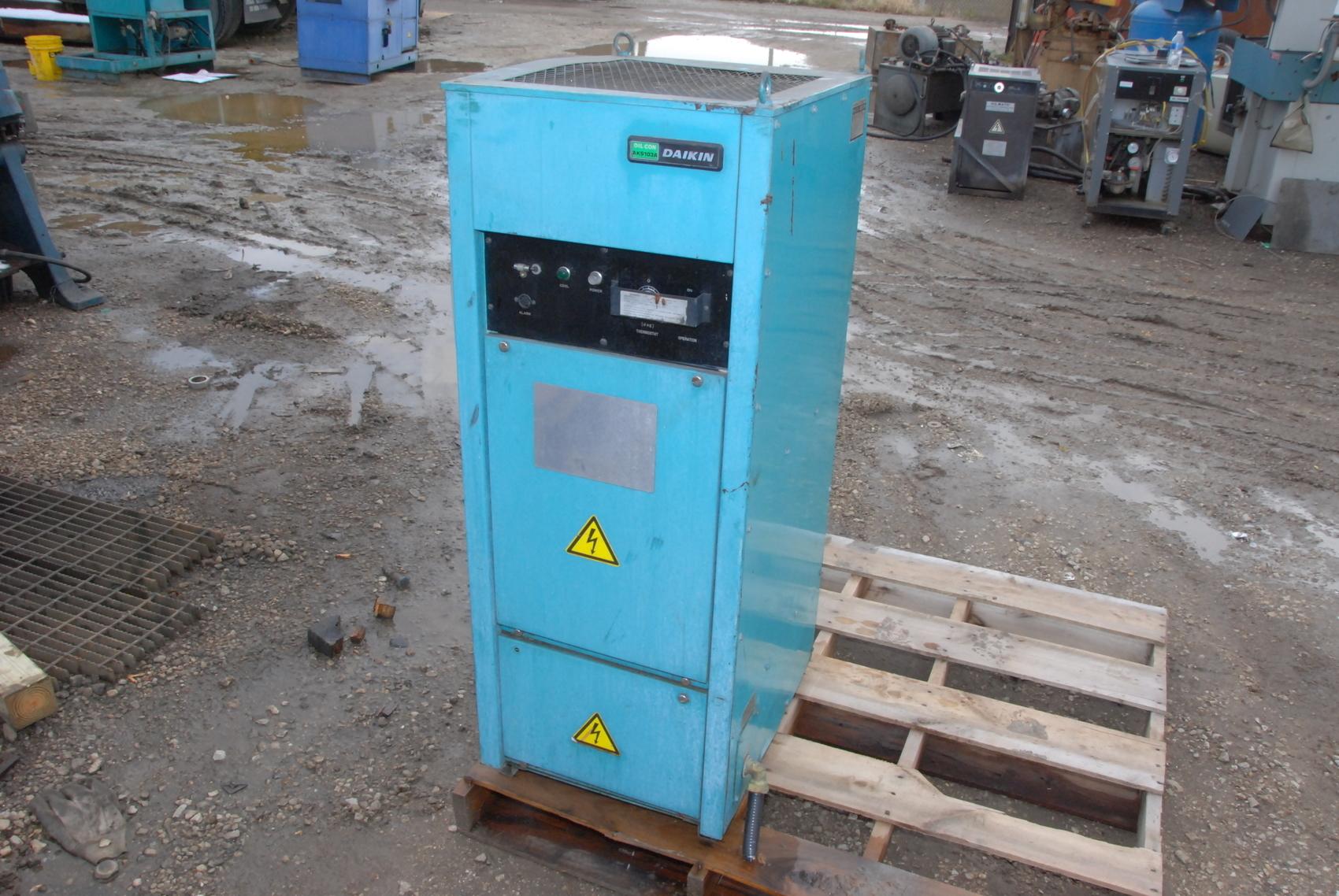 Daikin Oilcon AKS103AKE Spindle oil cooler chiller for Mazak CNC