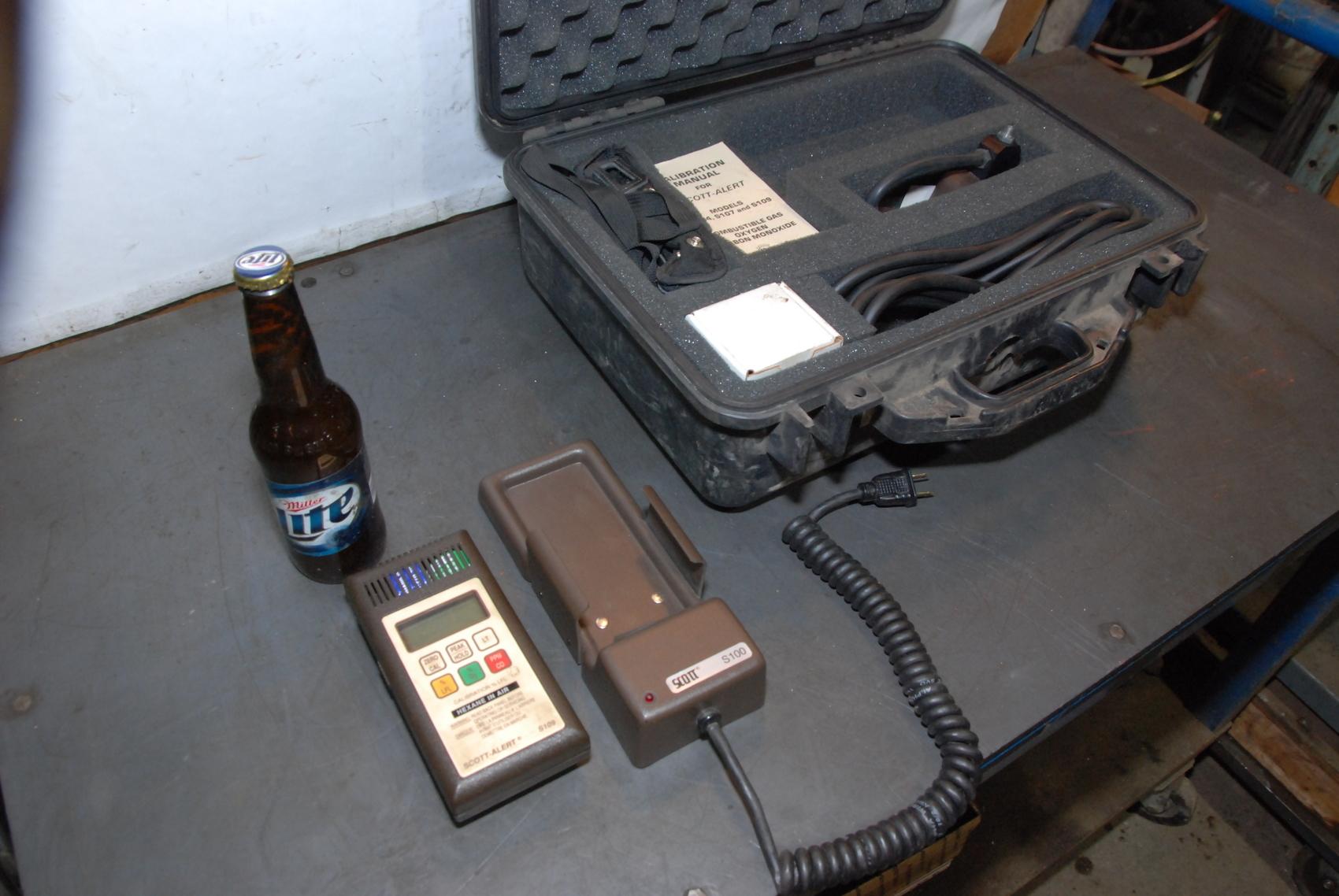Scott-Alert Model S109 detection instrument