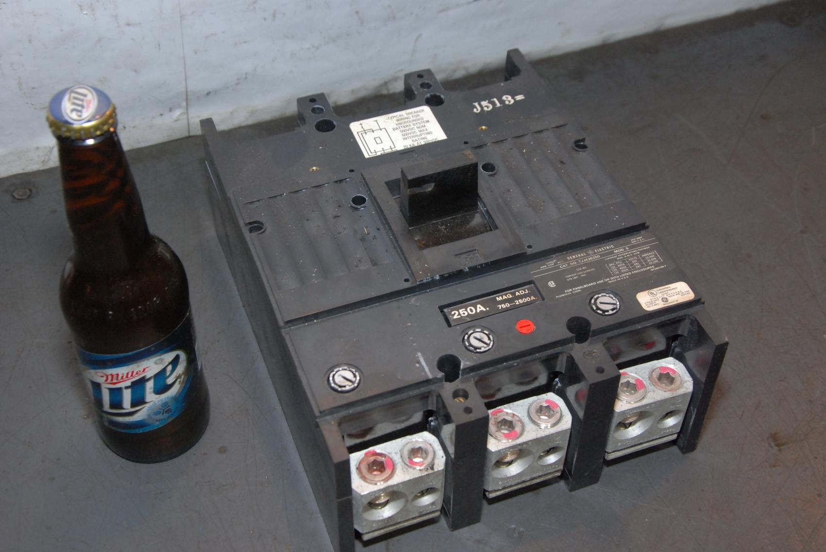 GE TJJ436250 Circuit Breaker 600V 250A 3 Pole