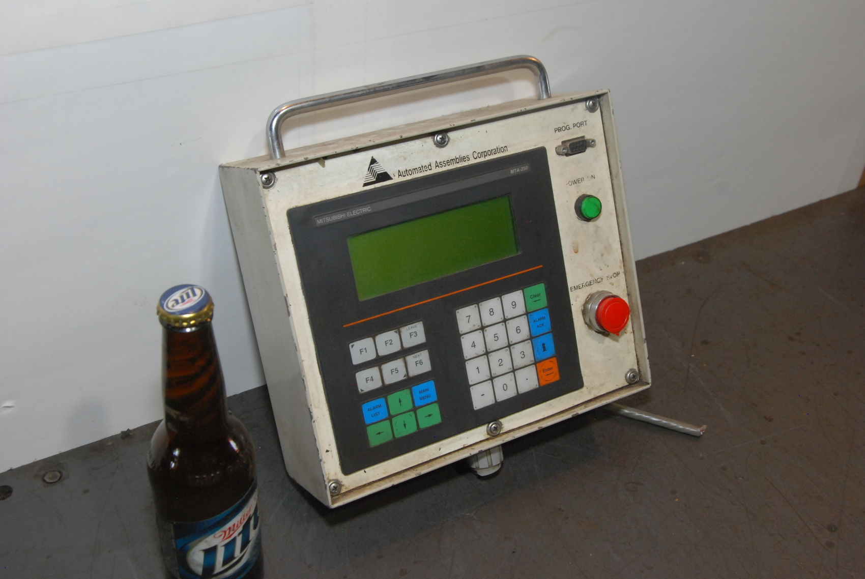 Mitsubishi Electronics MTA-250-L Operator Interface Panel MTA-250