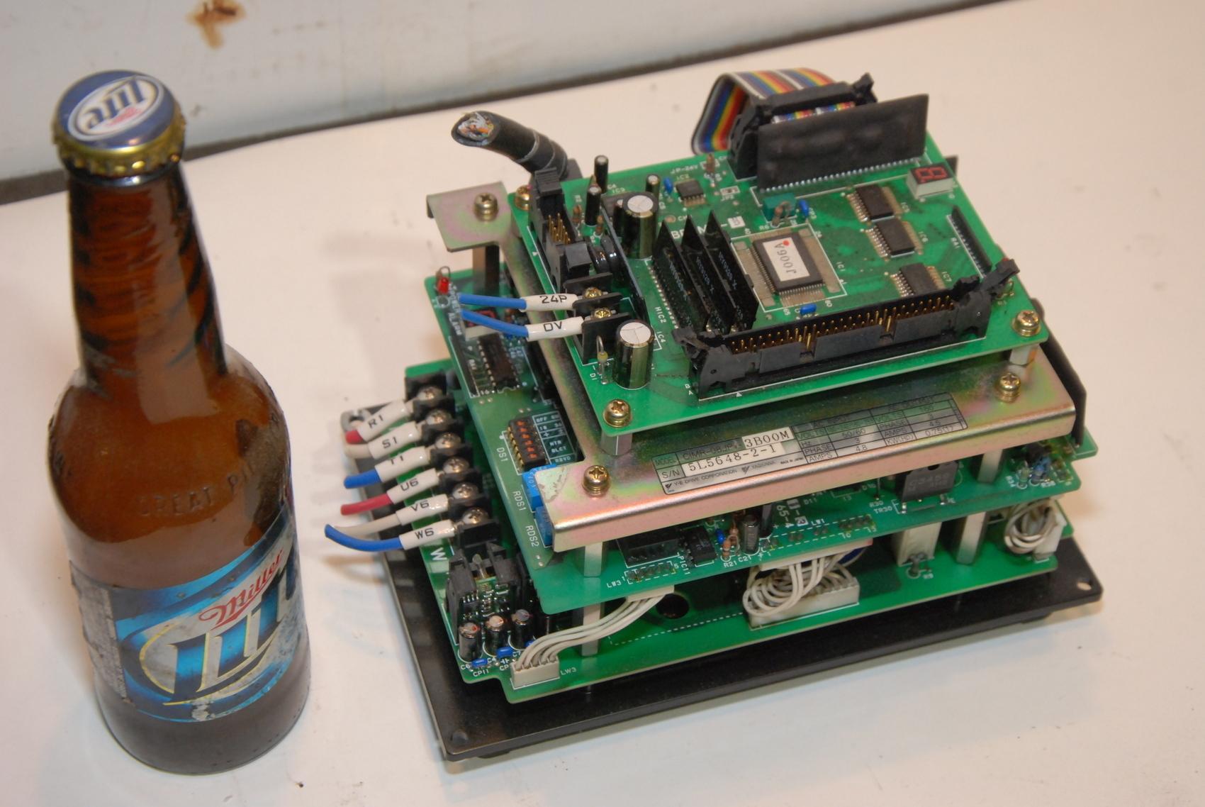 Yaskawa CIMR-08JP3-3B00M Turret Inverter Drive