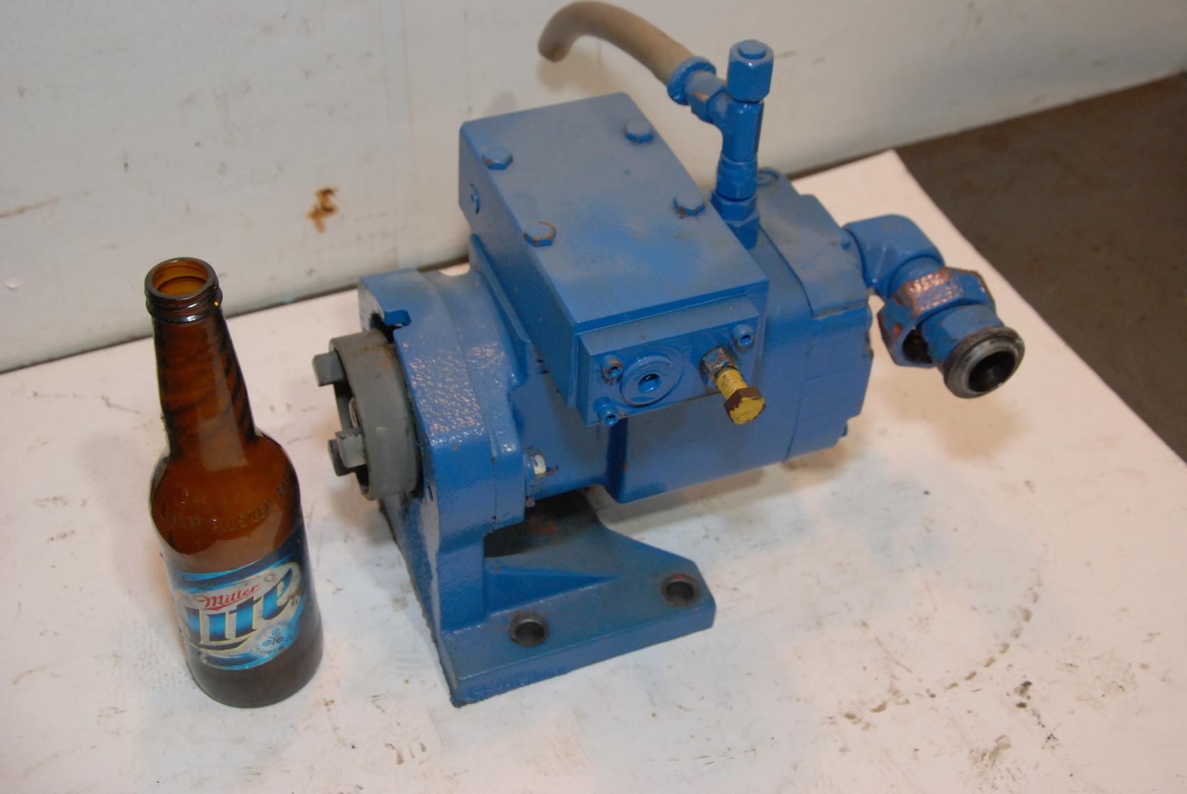 Oilgear PVW-06R-SAY-CN Hydraulic Pump