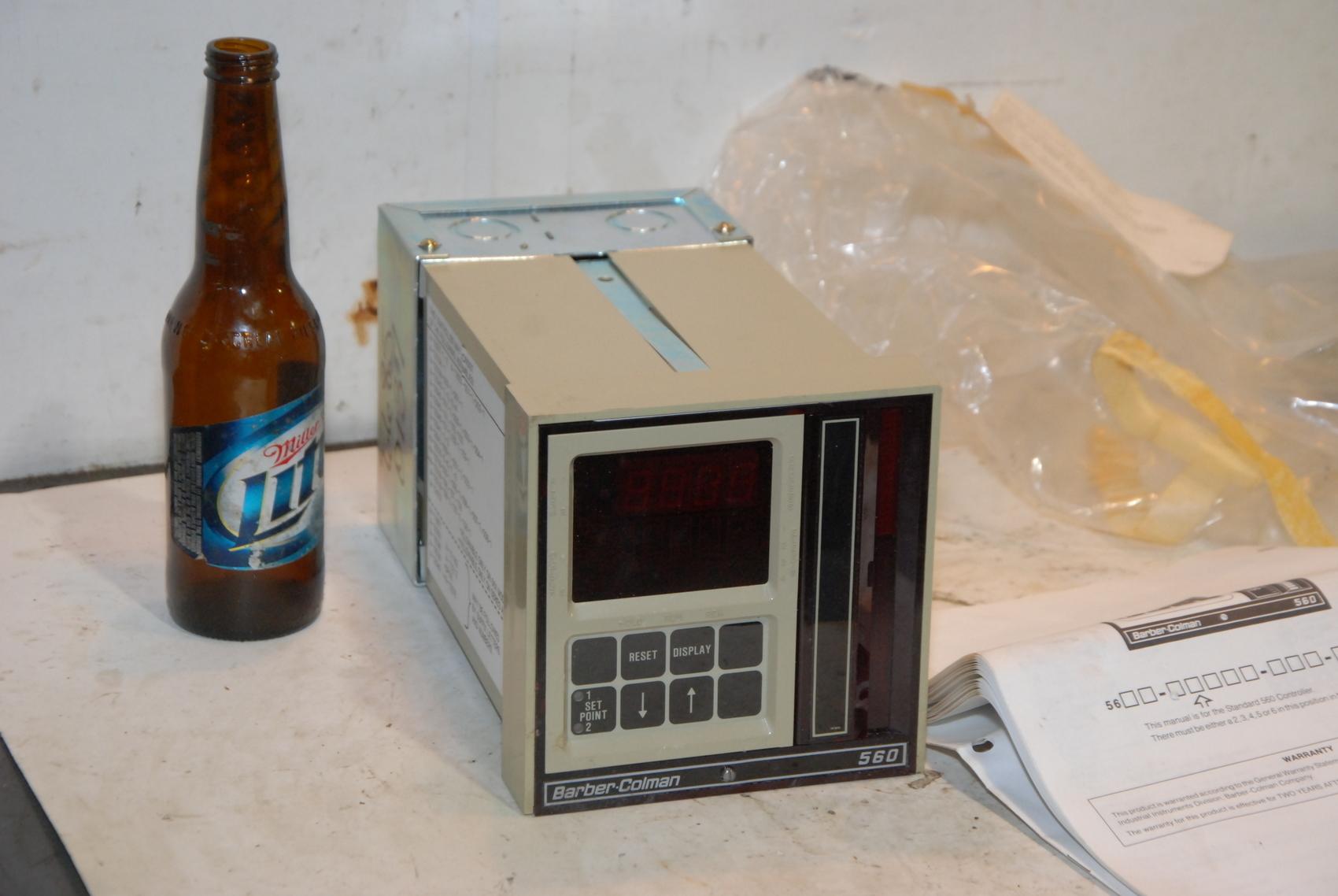 NEW Barber-Colman 560 Temperature Controller