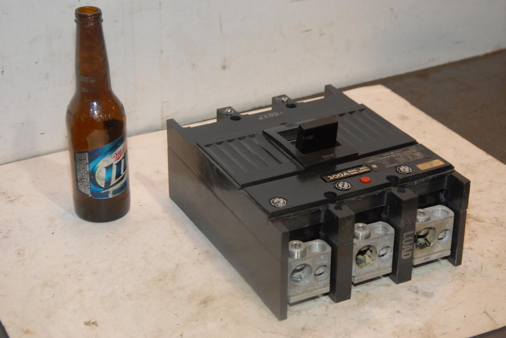 GE 400 AMP CIRCUIT BREAKER 600 VAC 3 POLE TJK436F000