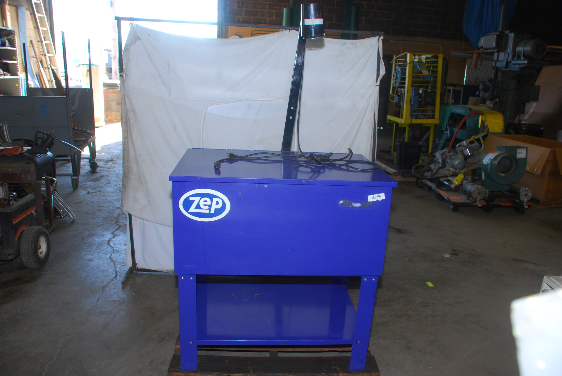 ZEP Dyna-Brute Industrial Solvent Parts Washer with filter, FLUID