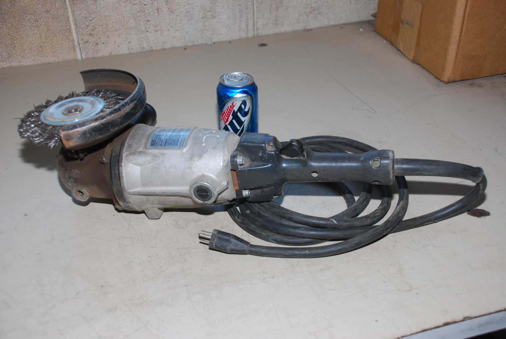 Black And Decker Heavy Duty 4075 Angle Grinder Sander 7 Quot 9